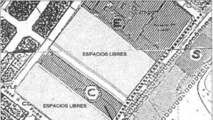 Plano de las parcelas previsto en las Normas Subsidiarias, con la calle alineada