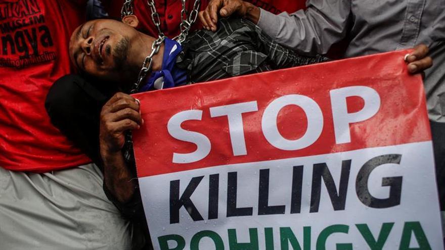 Bangladesh dice que 50.000 rohinyás entraron en su territorio en tres meses