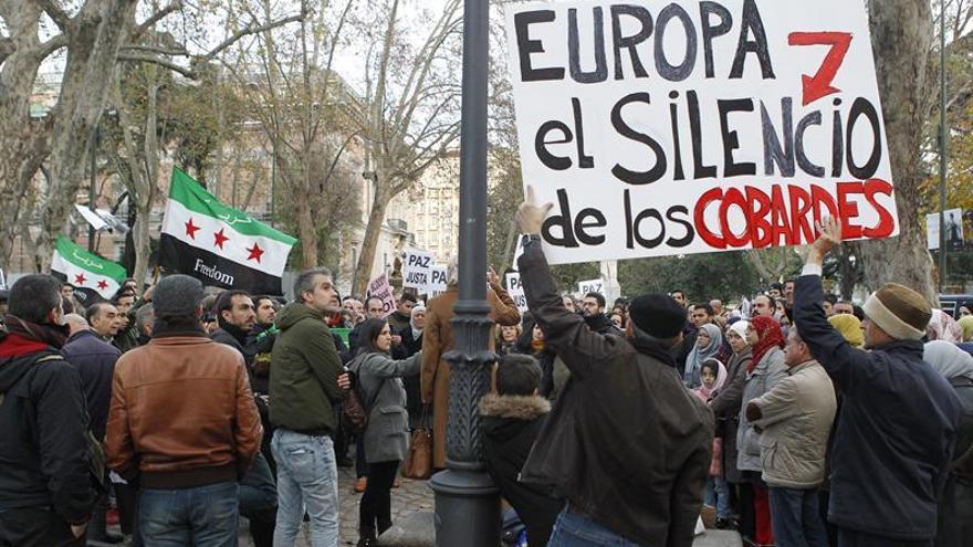 La Policía propone sancionar a un hombre en una protesta de apoyo a Siria