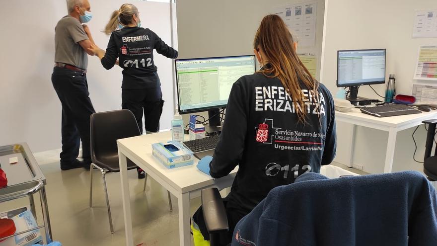 Personal sanitario en Forem, Navarra, donde se administra la vacuna contra el Covid-19.