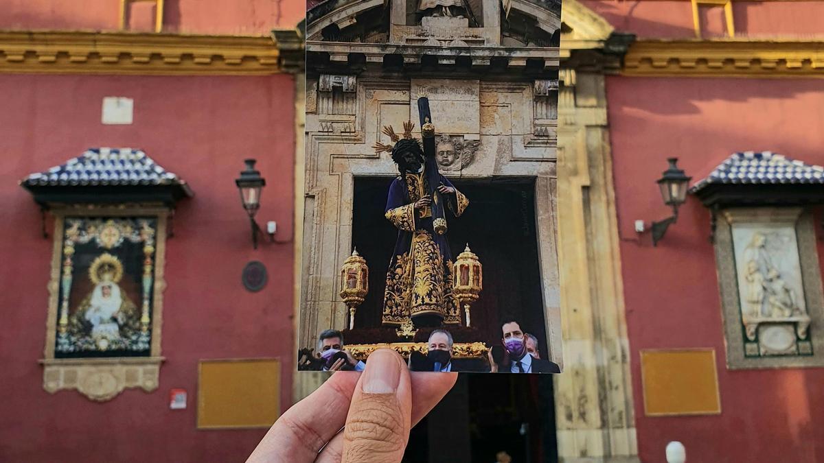 Jesús del Gran Poder saliendo a la Plaza de San Lorenzo