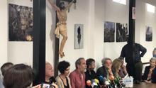 """Willy Toledo no se presenta en el juzgado y comparece en una iglesia de Vallecas: """"No he cometido ningún delito"""""""