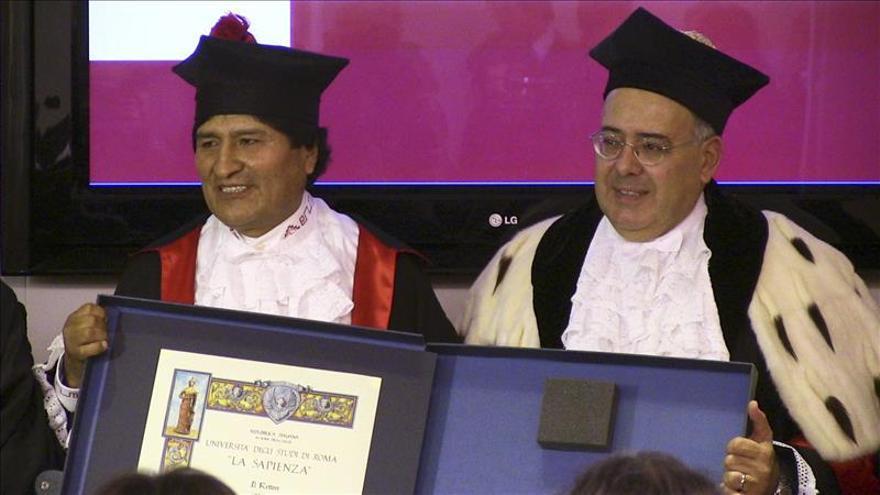 """Evo Morales recibe """"Honoris Causa"""" en Roma y lo dedica al movimiento indígena"""