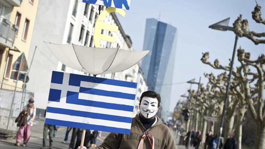 El BCE eleva nuevamente los créditos de urgencia a la banca griega