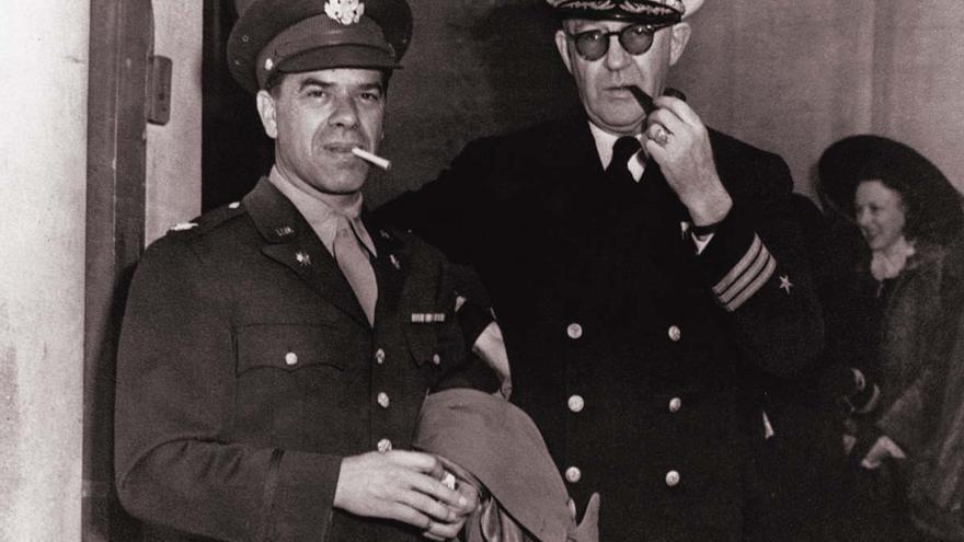 Dos pesos pesados del cine de la época, Frank Capra y John Ford, realizaron reportajes de inspiración patriótica