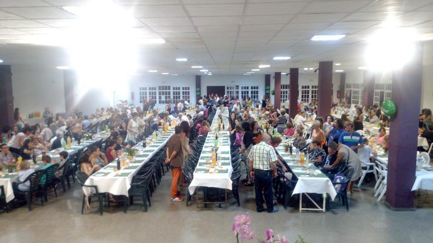 En la imagen, un momento de la cena benéfica organizada este sábado en El Paso por la Asociación de Niños Especiales de La Palma.