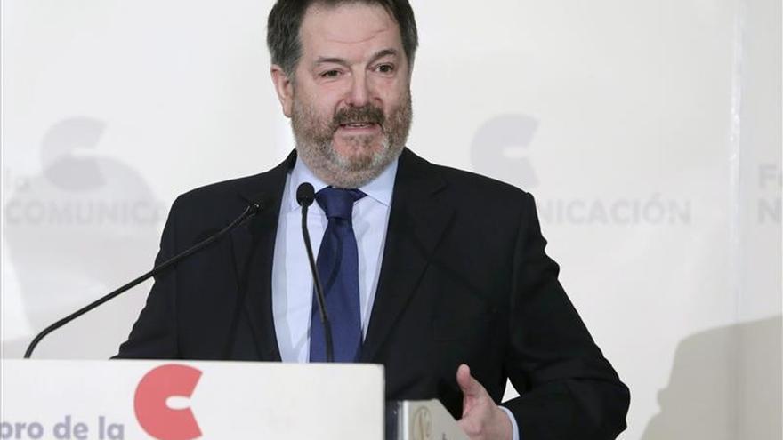 El director de ABC critica el apoyo de la TV de capital de derechas a fuerzas como Podemos