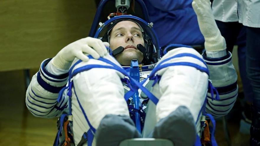 Dos astronautas concluyen trabajos de mejora en la Estación Espacial