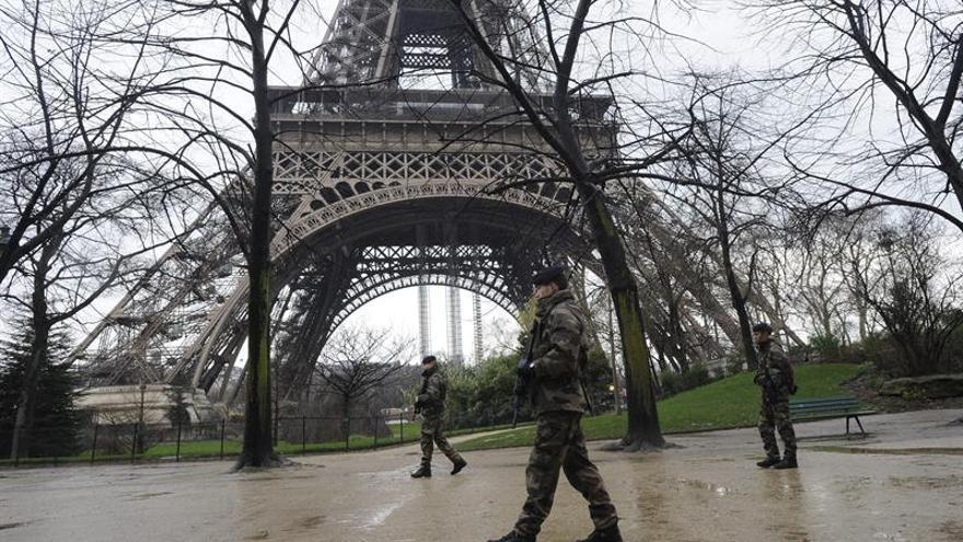 Los terroristas de Cataluña que fueron a París pasaron por la torre Eiffel