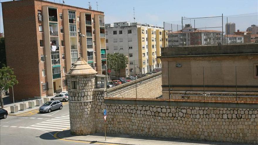 Los Mossos buscan al preso fugado por la periferia de Tarragona y Reus