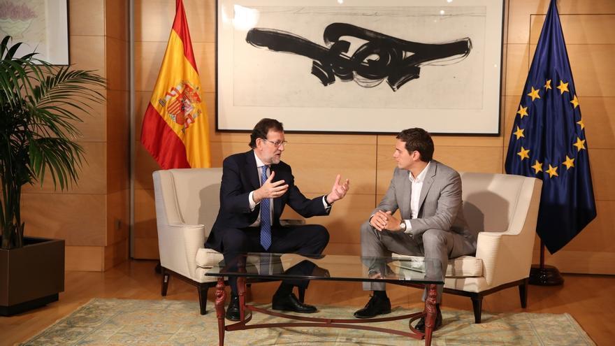 Concluye la reunión entre Rajoy y Rivera, que ha durado hora y media