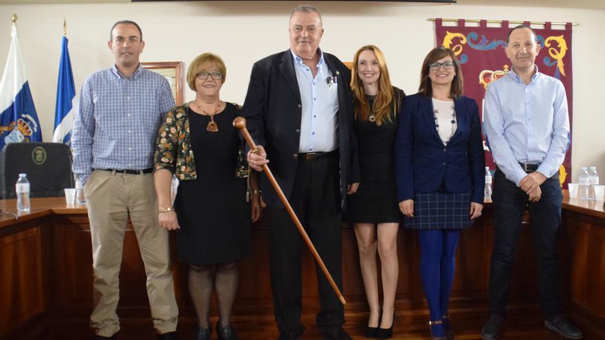 Miguel Ángel Acosta y su grupo de gobierno en el Ayuntamiento de La Frontera