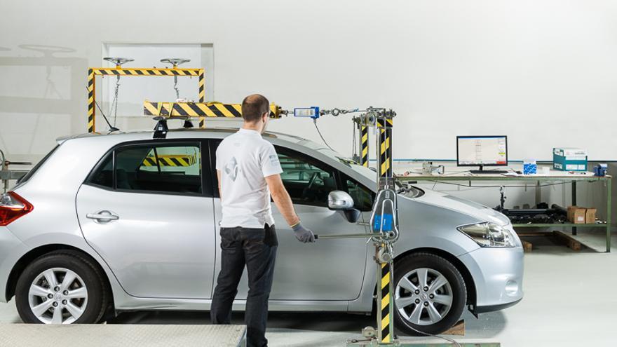 Laboratorio de prueba de los portaequipajes para vehículos Cruzber. (Foto. Cruzber)