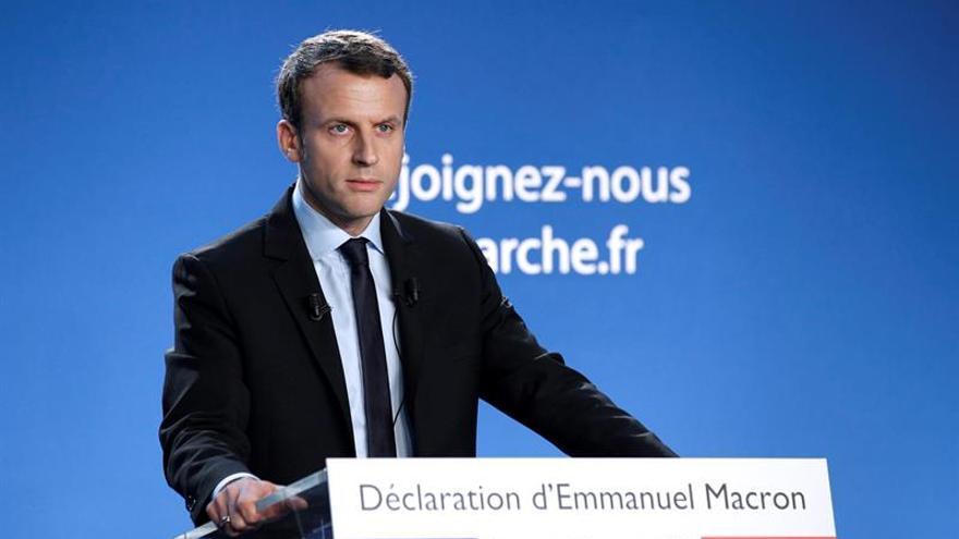 "Macron aspira a presidir el Elíseo contra ""un sistema político bloqueado"""