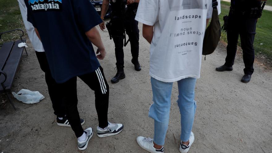 La Policía detiene a 44 jóvenes tras altercados y robos en el parque del Oeste