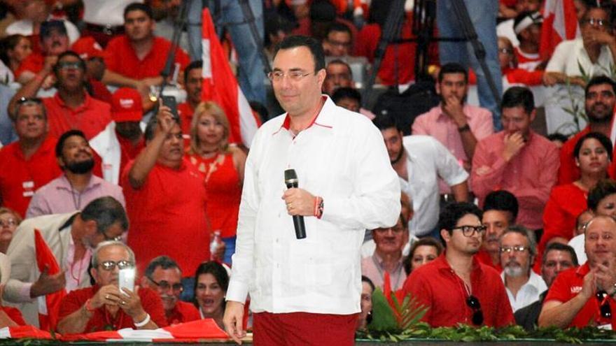 """Candidato hondureño dice que regular reelección es """"una aberración jurídica"""""""