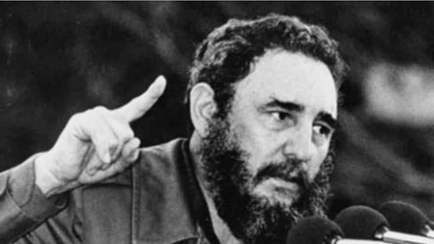 Fidel Castro, en uno de sus numerosos discursos. (EFE).