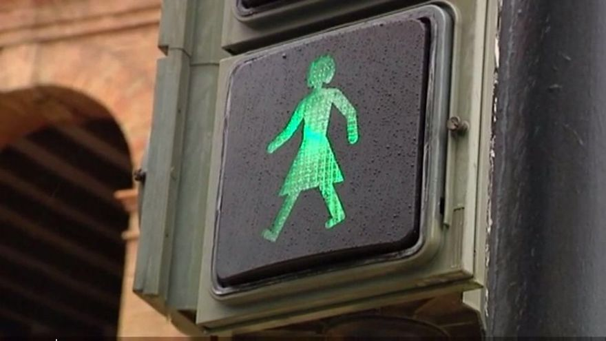 Un semáforo en Valencia para intentar fomentar la igualdad y visibilizar a las mujeres en la vía pública