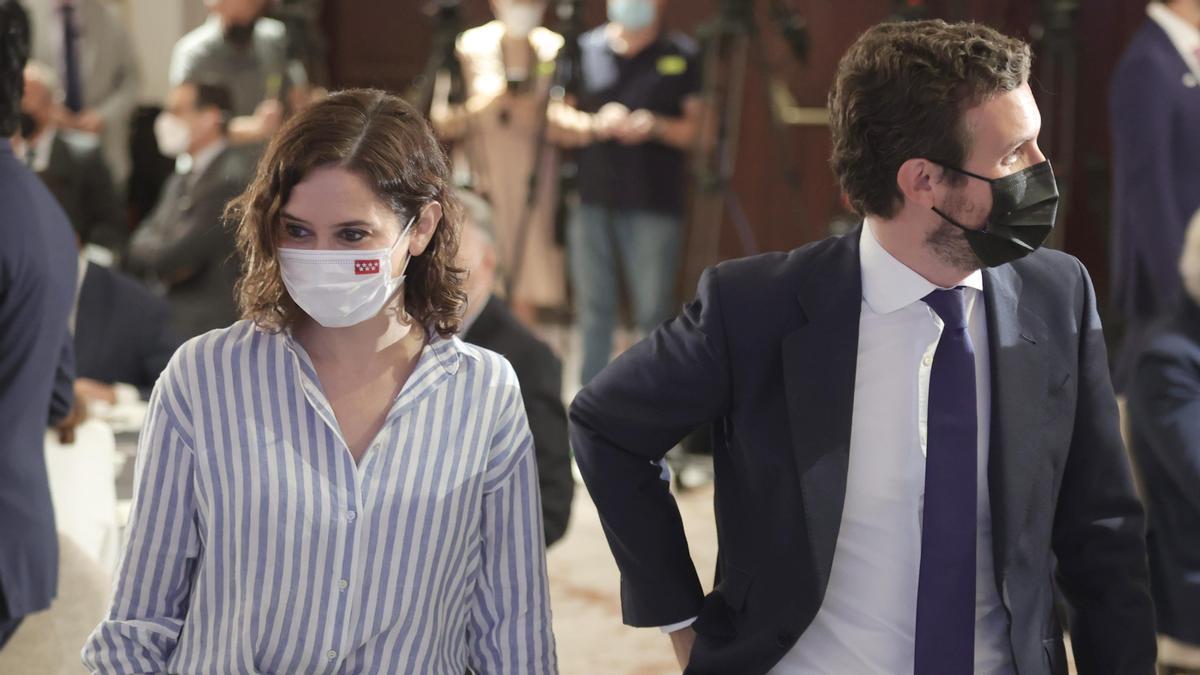 Isabel Díaz Ayuso y Pablo Casado, durante un desayuno informativo este mismo mes.