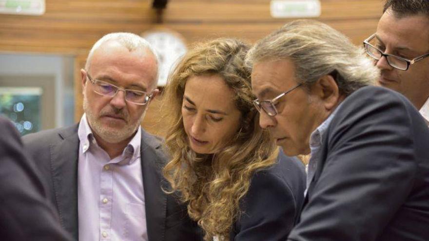 Antonio Montiel (Podemos), Carolina Punset (Ciudadanos) y Manolo Mata (PSPV)