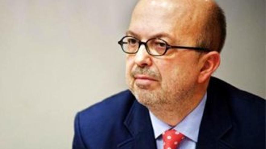 """Acusan el ex director de la TV manchega de """"gastar dinero público con su visa"""""""