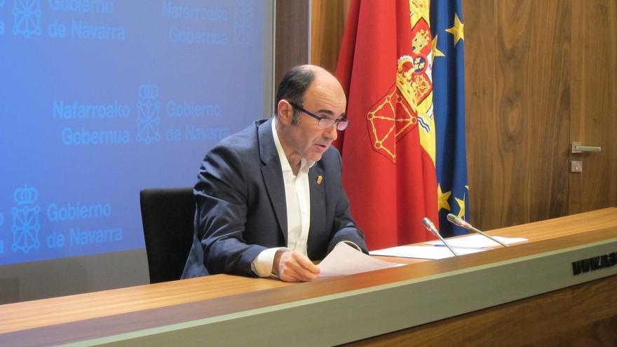"""Ayerdi dice que el peaje de Etxegárate afectará a los transportistas navarros, """"como a todos los del mundo"""""""