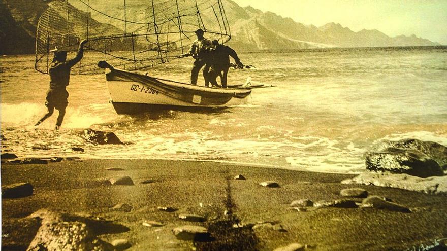 Foto antigua de la playa de Agaete.
