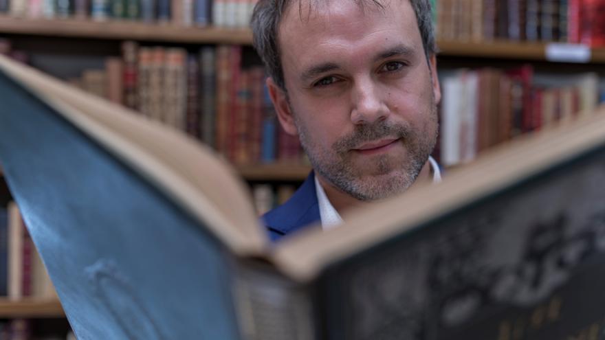 """Luis Zueco convierte en """"héroes históricos"""" a los cirujanos del siglo XIX"""