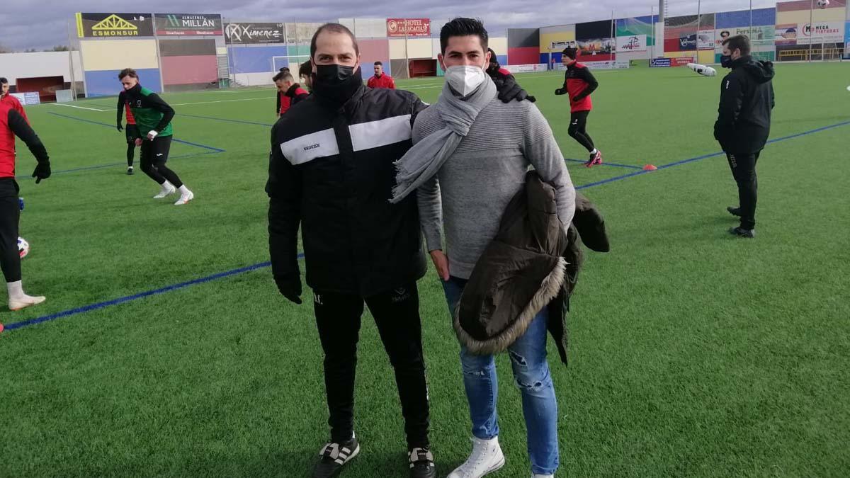 Rafa Ocaña, junto con Diego Caro en un entrenamiento del Salerm