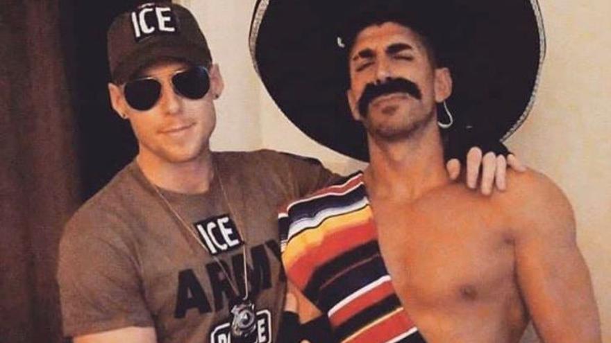"""Captura de pantalla de una publicación de Instagram eliminada posteriormente en el que se ve a la pareja de Toronto disfraza de """"mexicano"""" y agente de inmigración de Estados Unidos."""