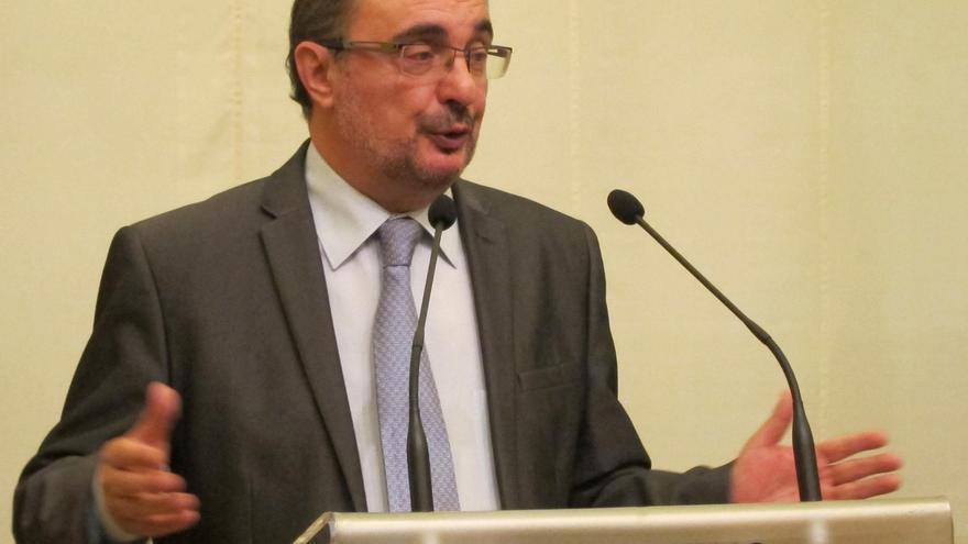 """El presidente de Aragón reitera su oferta para """"tender puentes"""" entre España y Cataluña"""