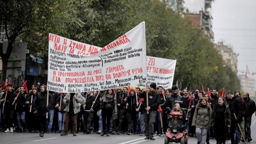 La juventud griega recuerda con marchas el asesinato de un adolescente por un policía