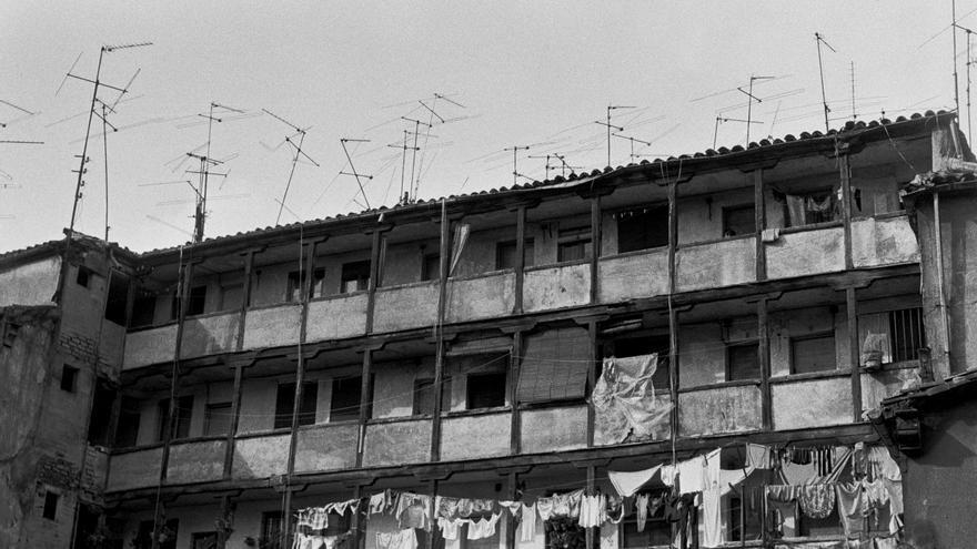 La corrala de la calle Miguel Servet, en 1982