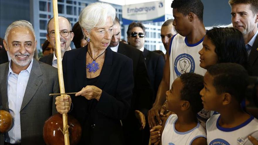 Lagarde dice que Brasil que la disciplina fiscal y programas sociales van juntos