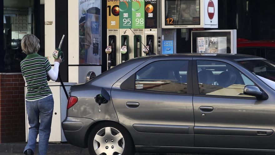 El IPC interanual cae tres décimas en noviembre, hasta el -0,4%, por las gasolinas y la luz