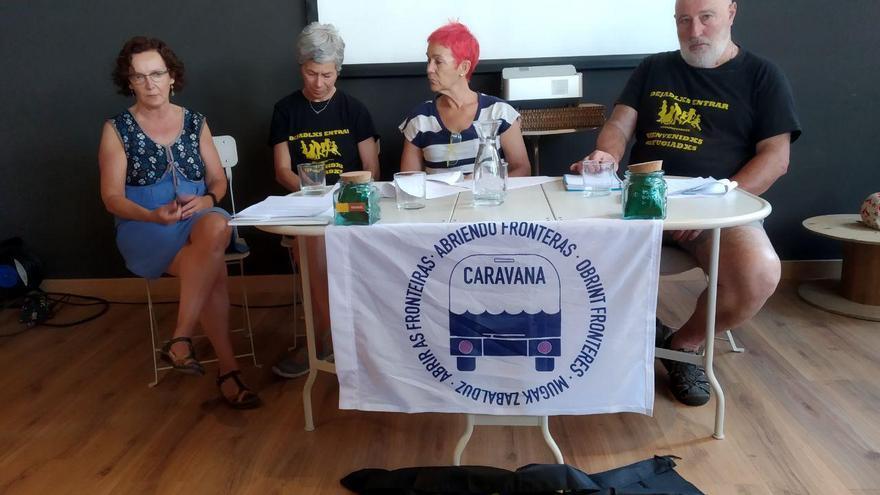 Miembros de Pasaje Seguro durante la rueda de prensa.