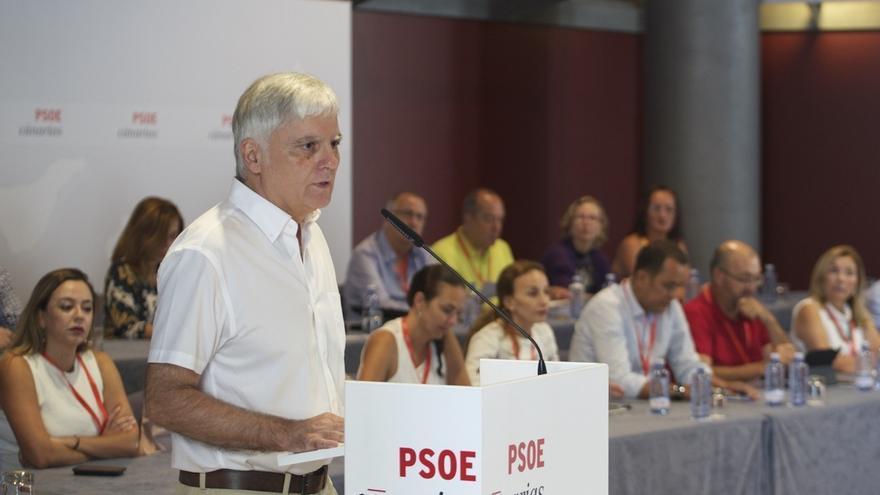 """El secretario del PSOE en Canarias considera que Rajoy se """"debe currar"""" el apoyo a la investidura"""