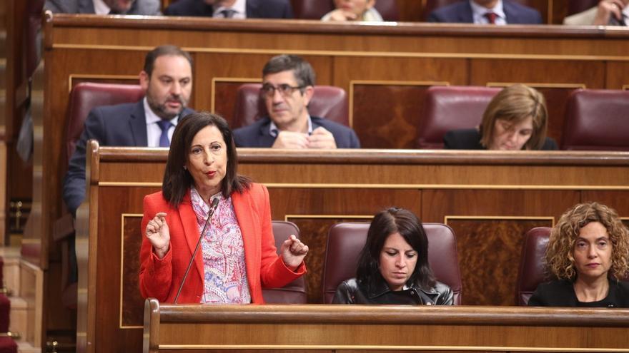 Robles (PSOE) acusa a Puigdemont de falta de valor por huir a Bélgica y le señala como único responsable del 155