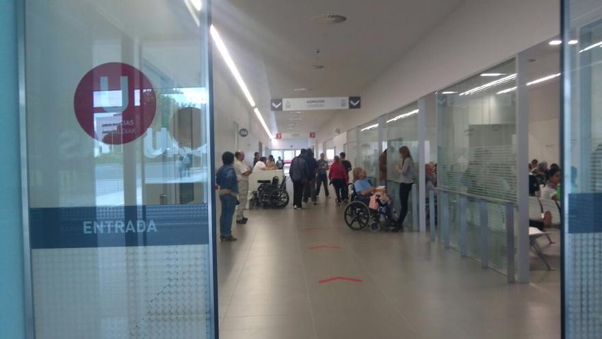 Este era el estado del acceso a las Urgencias este martes a las 17:00 horas.