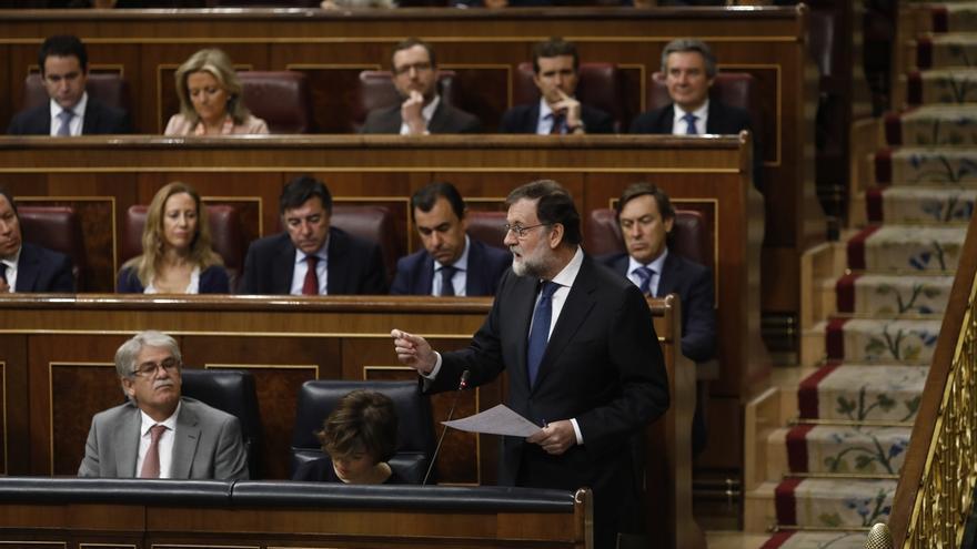 Rajoy contestará mañana a tres preguntas sobre Cataluña en el primer Pleno del Congreso tras la DUI y el 155