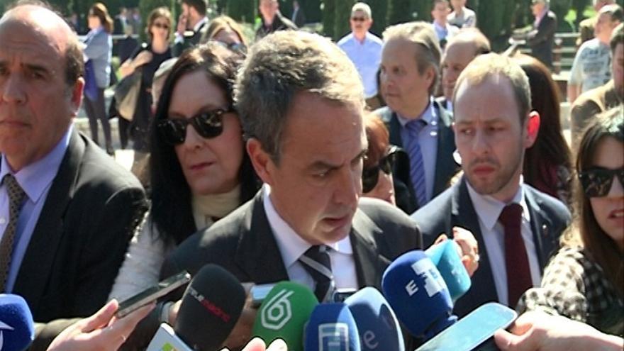 """Zapatero cree que Podemos no es populista sino socialdemócrata y que """"la democracia les hará cambiar"""""""