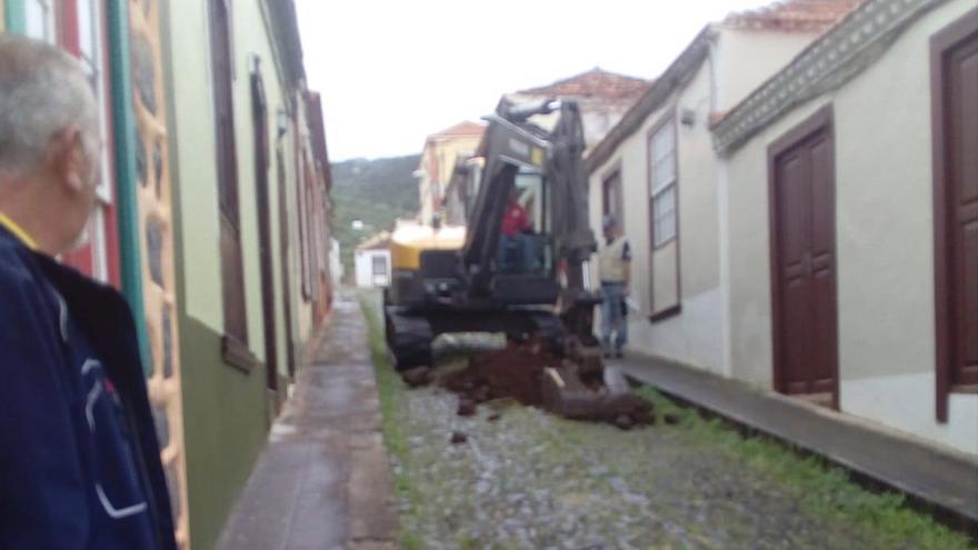 En la imagen, una de las catas en el casco histórico de Santo Domingo.