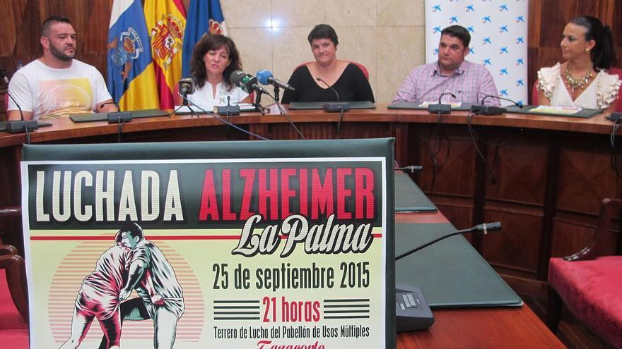 En la imagen, acto de presentación de la luchada en beneficio de AFA-La Palma.