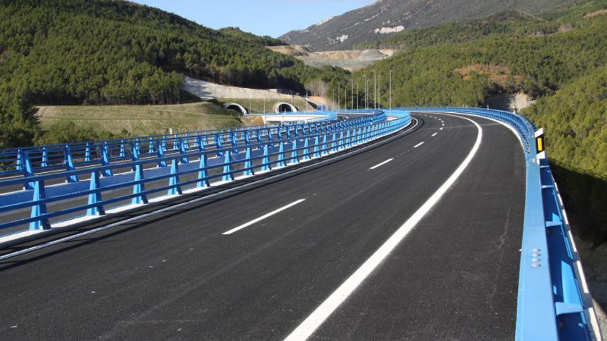 Uno de los tramos navarros de la autovía del Pirineo entre Liédena y Yesa.