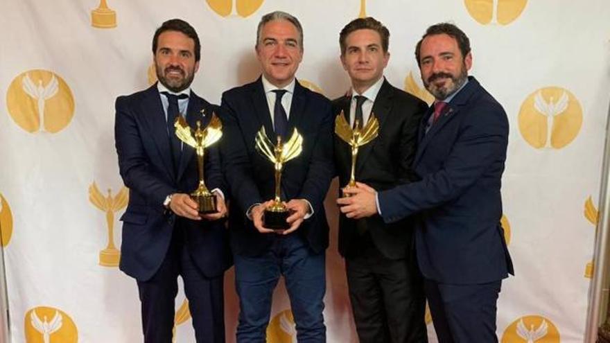 """Elías Bendodo y Aleix Sanmartín recogieron el llamado 'Oscar de la política"""" por la campaña electoral de las andaluzas."""