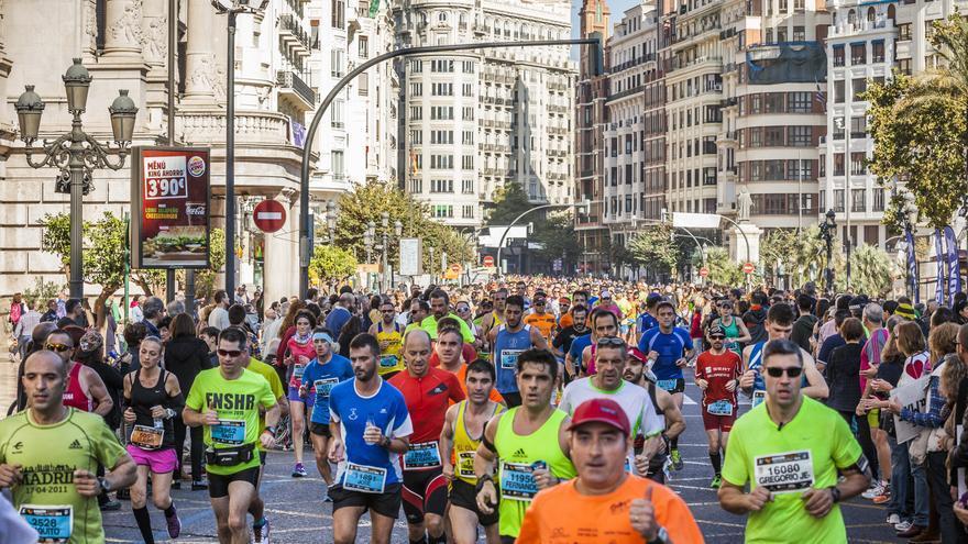 Varios corredores en la pasada edición del Maratón Valencia
