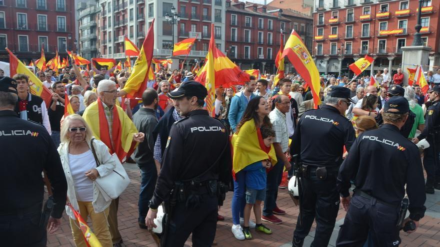 La policía junto a los manifestantes