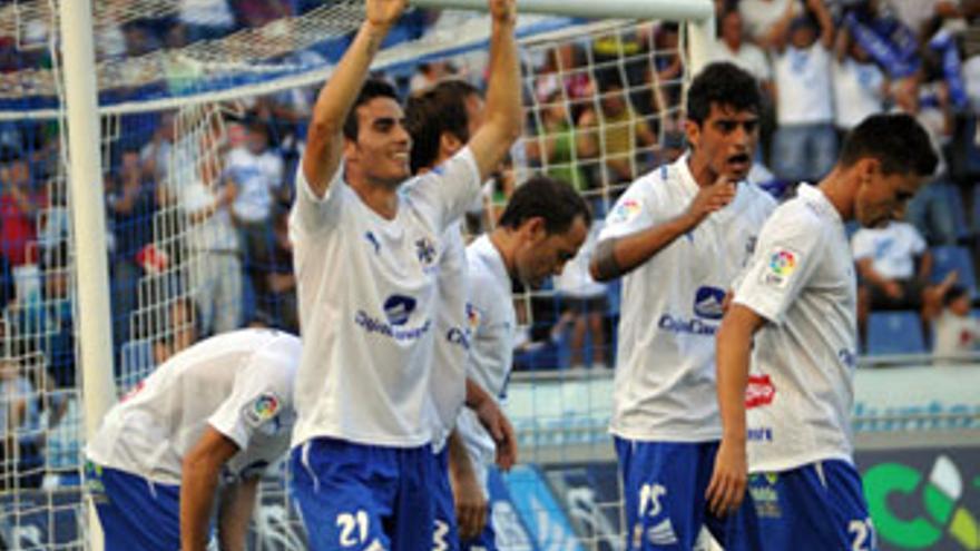 Justo triunfo del Tenerife frente a un Xerez defensivo y nulo en ataque
