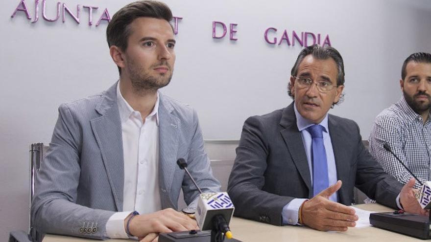 El diputado Víctor Soler, y el exalcalde de Gandia, Arturo Torró