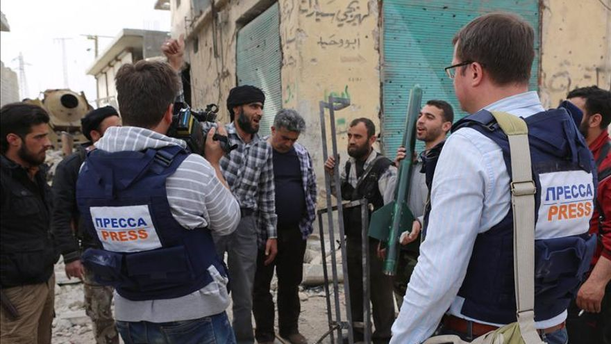 Dos grupos rebeldes se enfrentan en Alepo, según activistas sirios